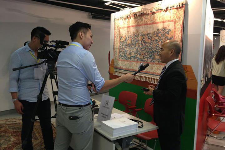Mr.-Han-was-interviewed-by-TV-station-in-Hong-Kong